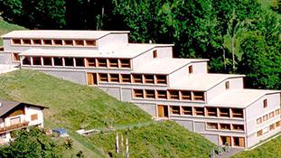 Schulhaus_w1